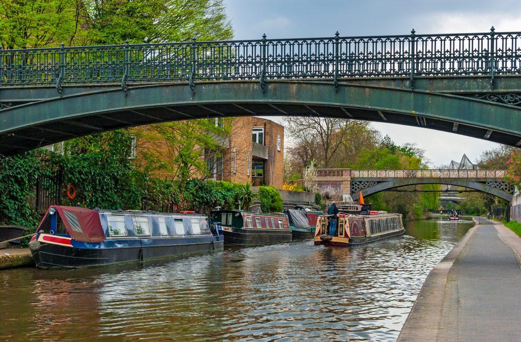 Narrow boats on Regent's Canal